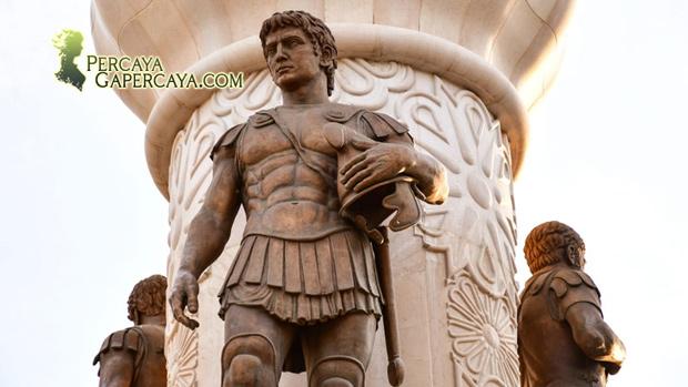 Horror! Alexander Agung Dikubur Hidup-Hidup